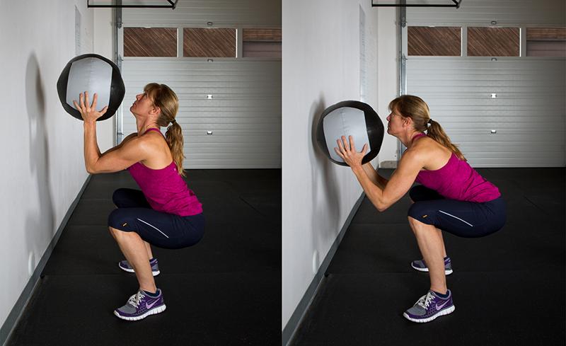 Bon positionnement à gauche par rapport à une mauvaise posture inclinée vers l'avant à droite.